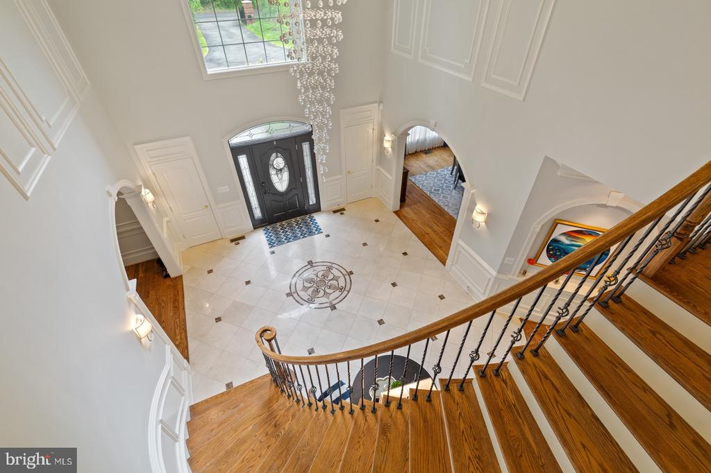 Foyer With Marble Floor & Curved Main Staircase - 3722 HIGHLAND PL, FAIRFAX