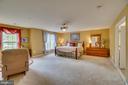 master suite/ sitting area - 147 SANFORD FERRY CT, FREDERICKSBURG