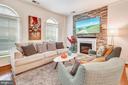 Living room - 6464 WALCOTT LN, FREDERICK