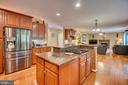 kitchen island - 147 SANFORD FERRY CT, FREDERICKSBURG