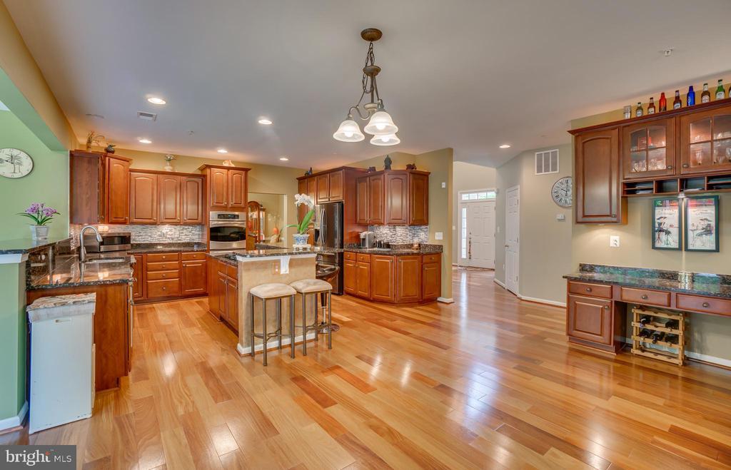 kitchen - 147 SANFORD FERRY CT, FREDERICKSBURG