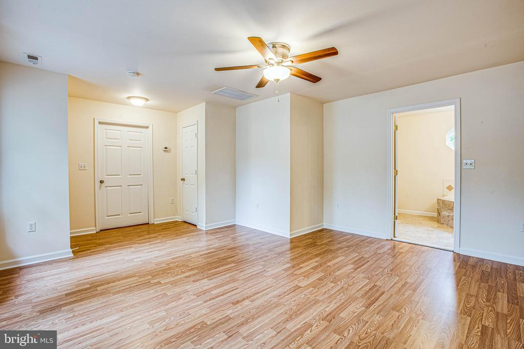Two closets and new ceiling fan in massive master - 10905 DEERFIELD DR, FREDERICKSBURG