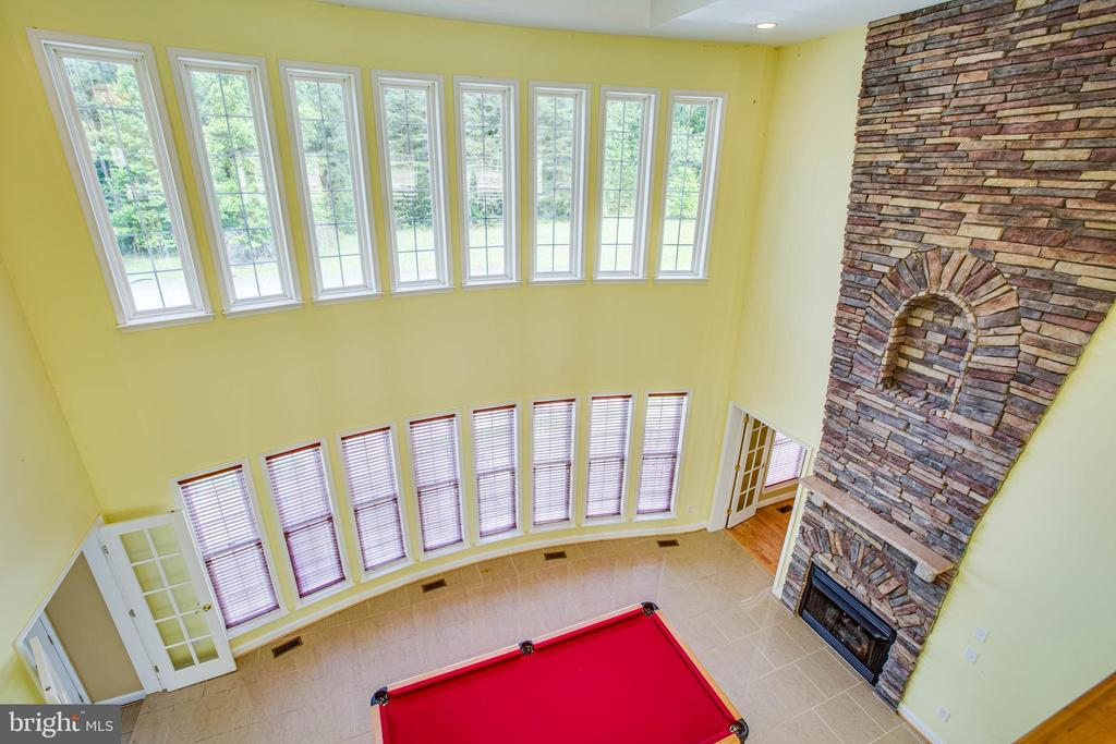 View from above to the family room - 9649 LOGAN HEIGHTS CIR, SPOTSYLVANIA