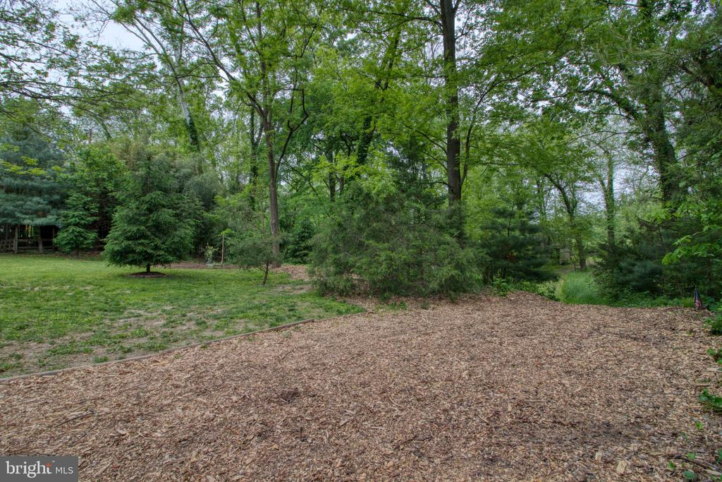 - 19355 YOUNGS CLIFF RD, STERLING