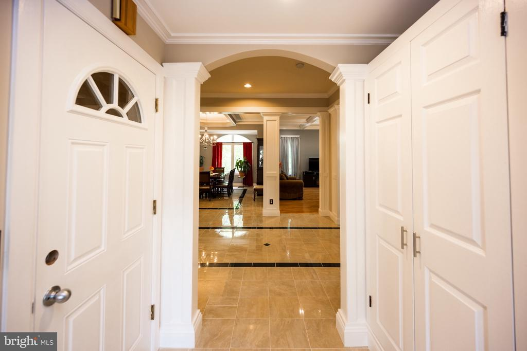 Hall - 6100 MUNSON HILL RD, FALLS CHURCH