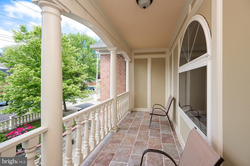Balcony - 6100 MUNSON HILL RD, FALLS CHURCH