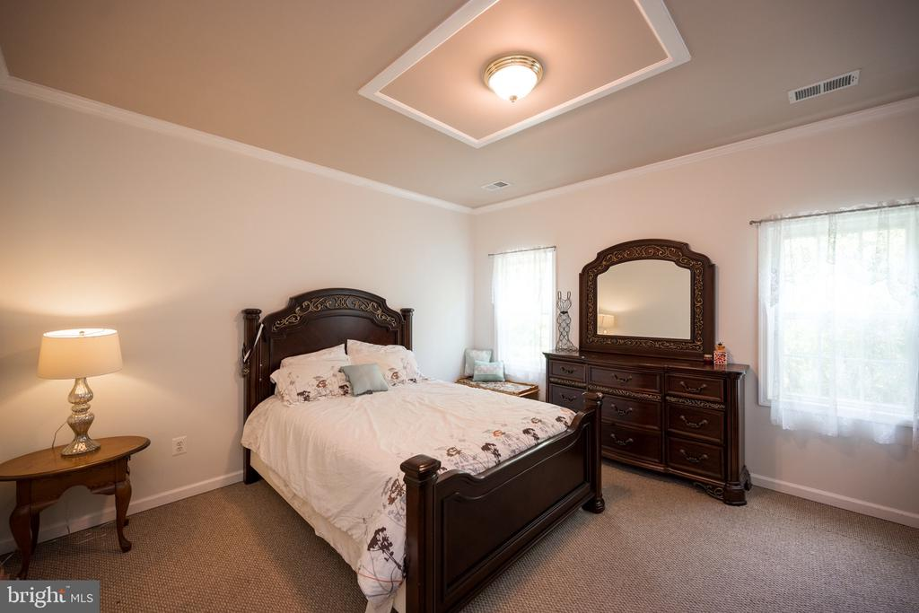 Bedroom - 6100 MUNSON HILL RD, FALLS CHURCH