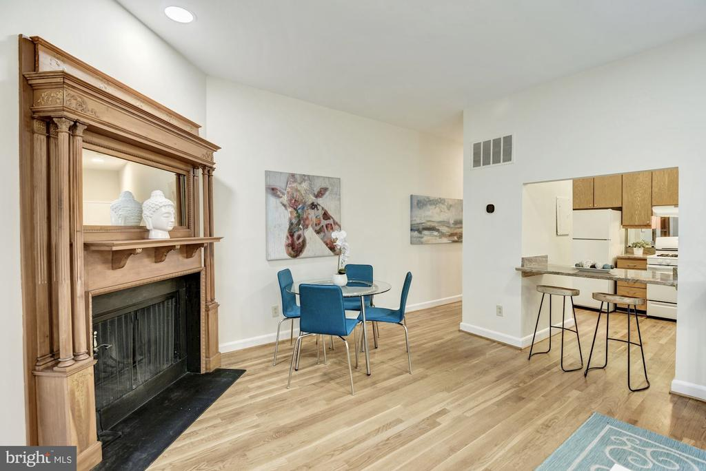Fireplace and dining area - 1731 T ST NW #2, WASHINGTON