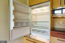 650 Series Subzero Refrigerator - 1324 FAIRMONT ST NW #B, WASHINGTON
