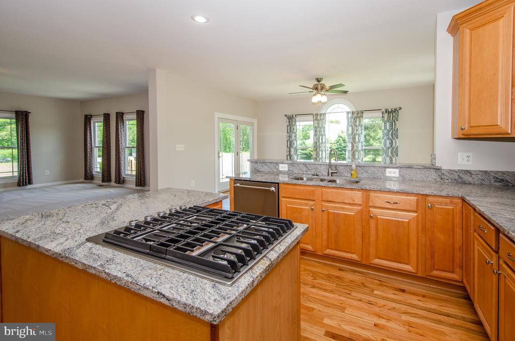 New Granite & Appliances - 13652 MOUNTAIN RD, HILLSBORO