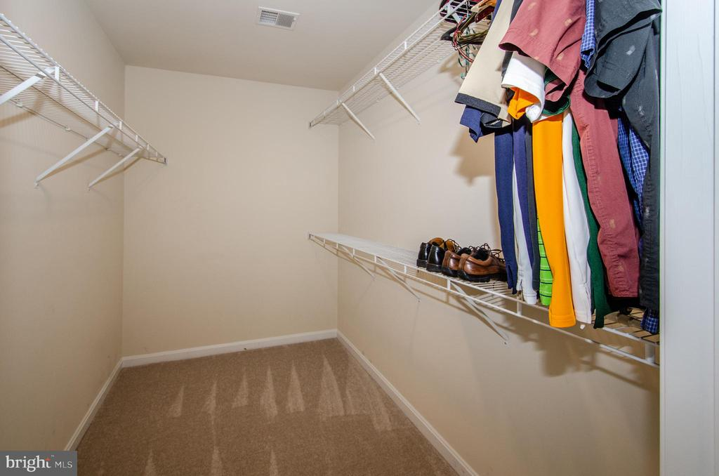 Master closet - 13652 MOUNTAIN RD, HILLSBORO