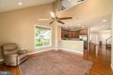 Large family room with vaulted ceiling - 20441 ISLAND WEST SQ, ASHBURN
