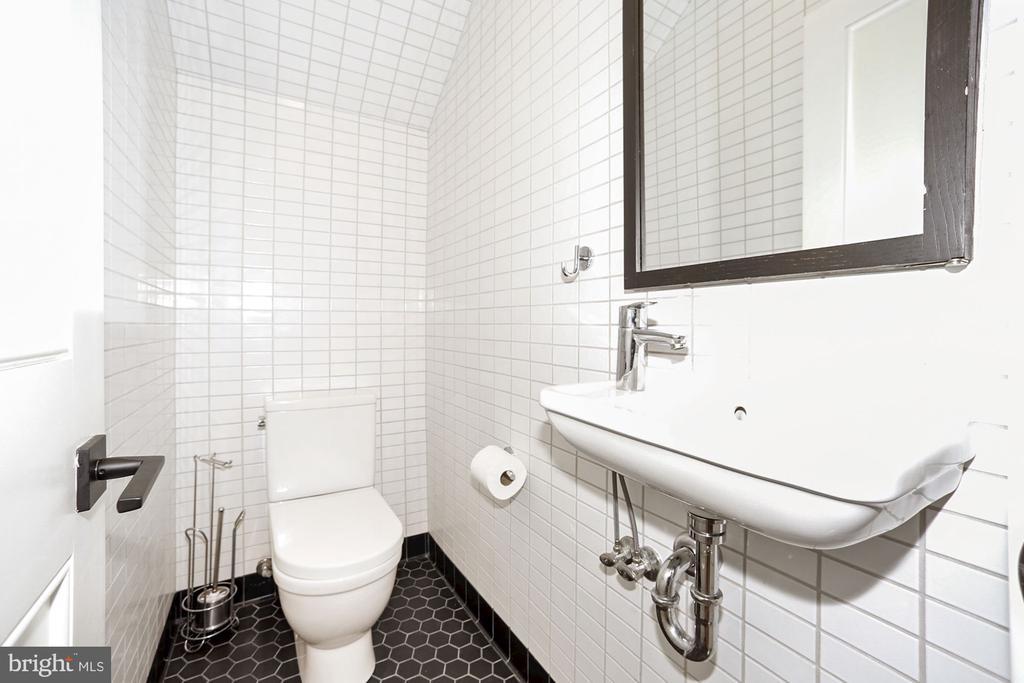 Half Bath - 125 D ST SE, WASHINGTON