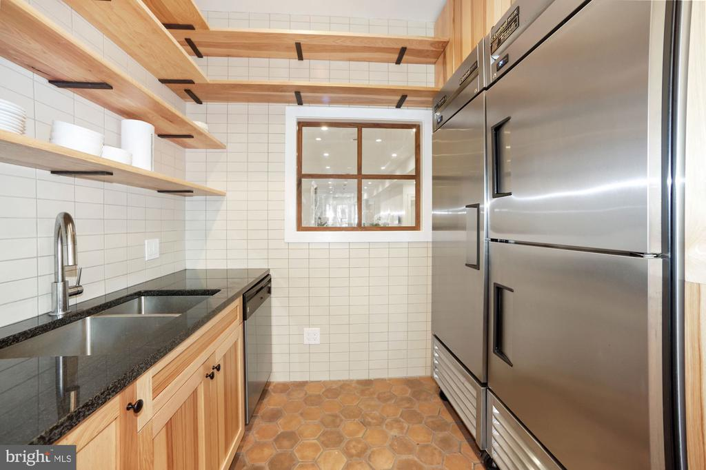 Storage for Miles in the Cabs and Dual Fridge - 125 D ST SE, WASHINGTON