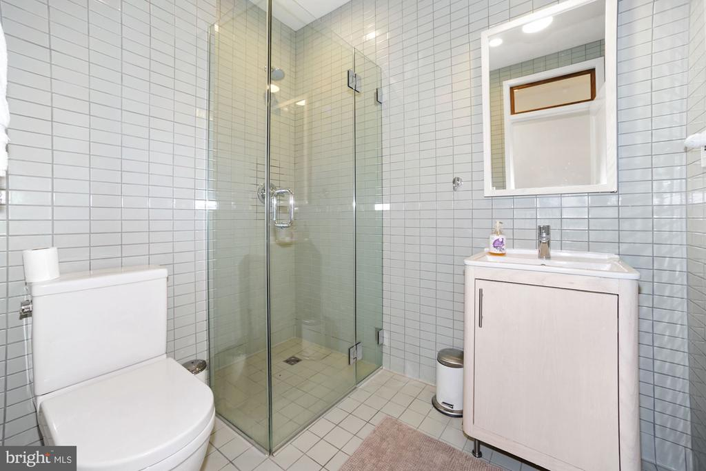 1 of 3 Full Baths - 125 D ST SE, WASHINGTON