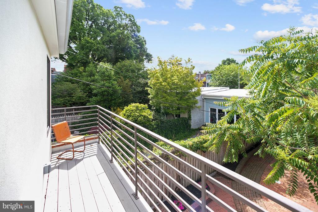 Rear Upper Terrace - 125 D ST SE, WASHINGTON