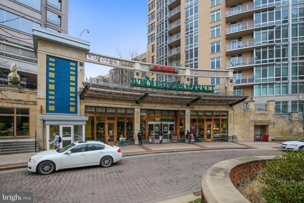 Whole Foods within walking distance - 4620 N PARK AVE #608W, CHEVY CHASE