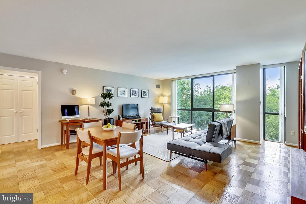 Welcome to this Sun-Filled Spacious Unit! - 4620 N PARK AVE #608W, CHEVY CHASE