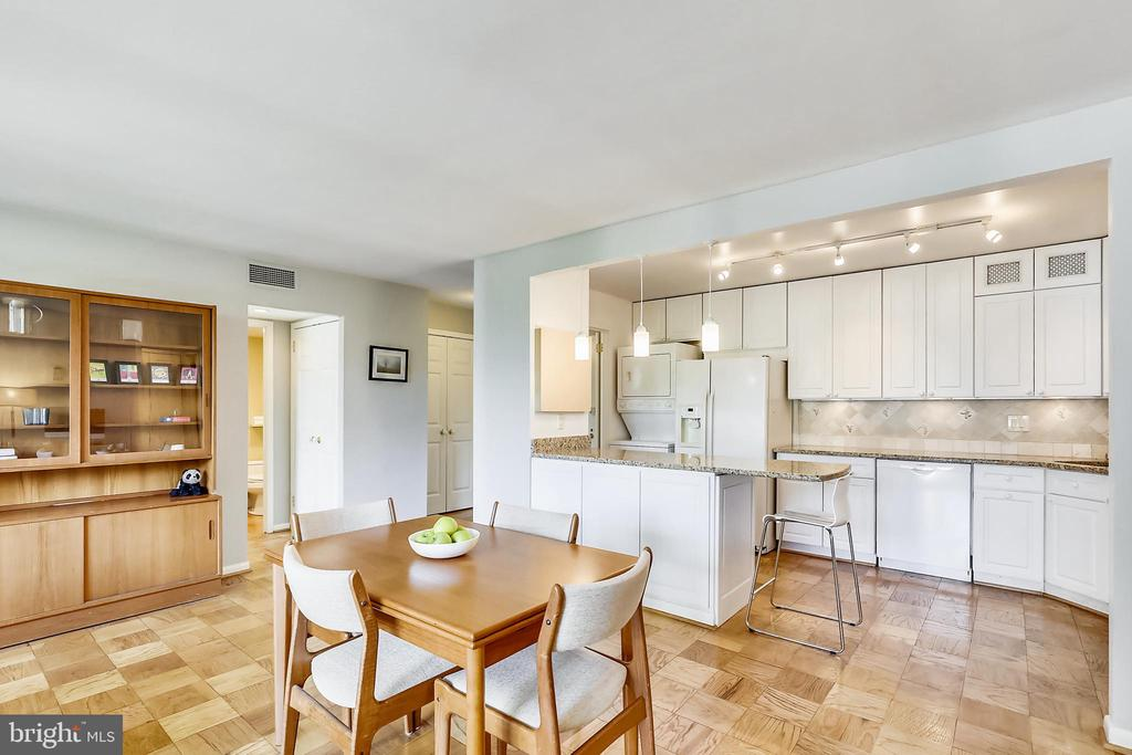 Separate dining area with ample space for seating - 4620 N PARK AVE #608W, CHEVY CHASE