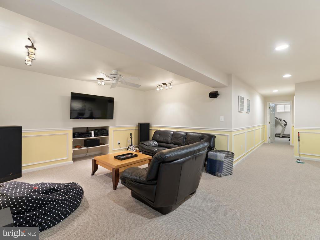 Basement family room - 1518 THURBER ST, HERNDON