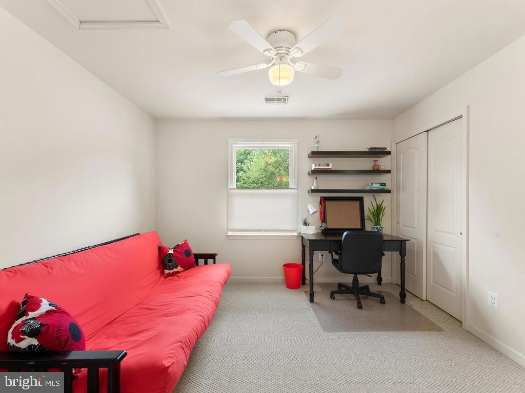 Upper Level bedroom 3, or Office space - 1518 THURBER ST, HERNDON
