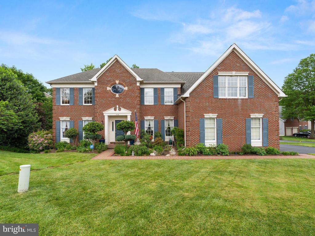 Welcome home! - 1518 THURBER ST, HERNDON