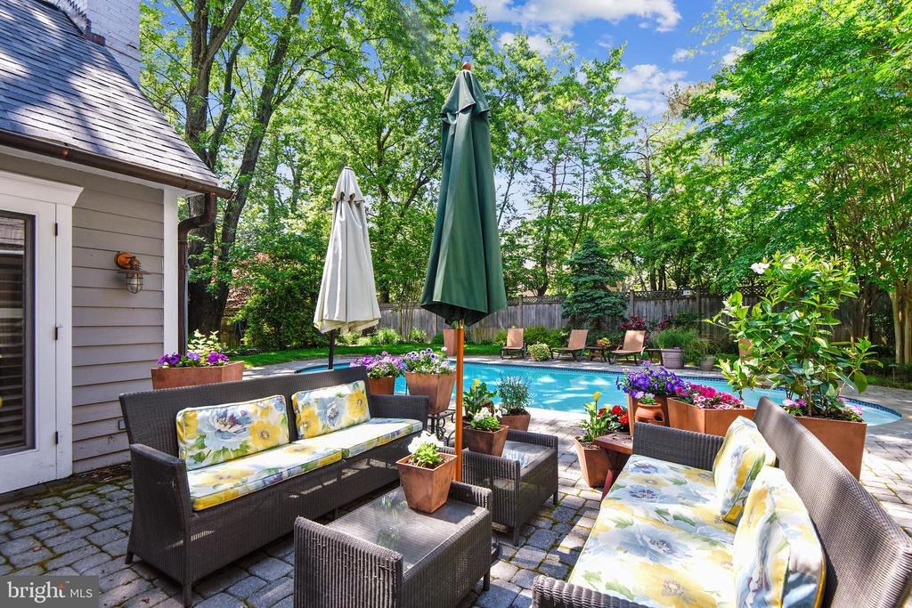 Very private backyard with fencing and trees - 1002 MOSS HAVEN CT, ANNAPOLIS