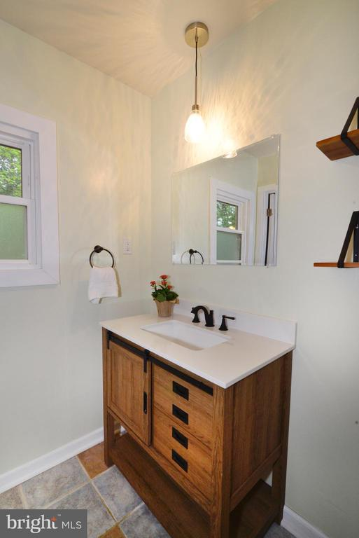 Master Bath with New Flooring, Vanity and fixtures - 234 PINE CREST LN, BLUEMONT