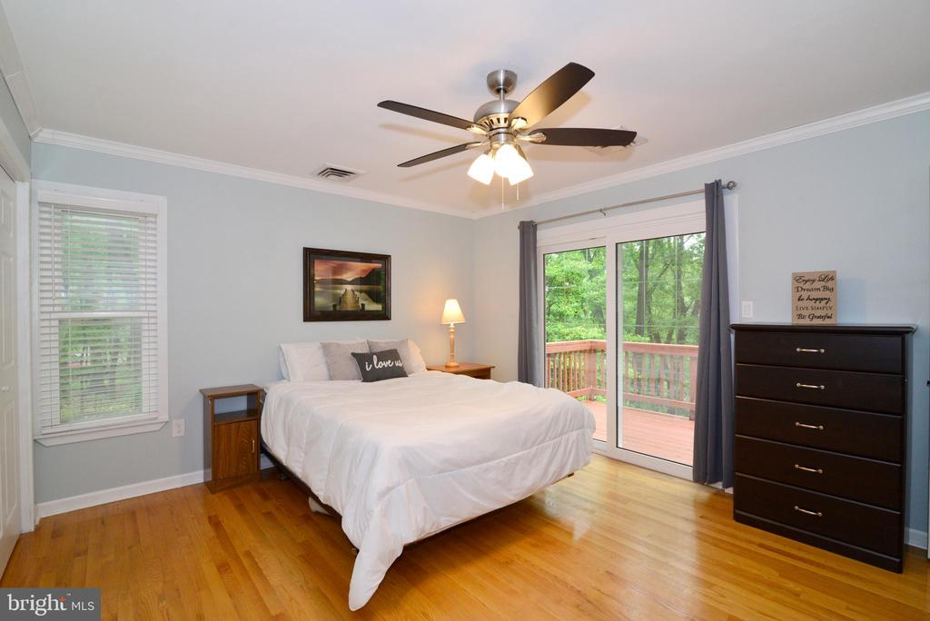 Master Bedroom with walkout to Deck! - 234 PINE CREST LN, BLUEMONT