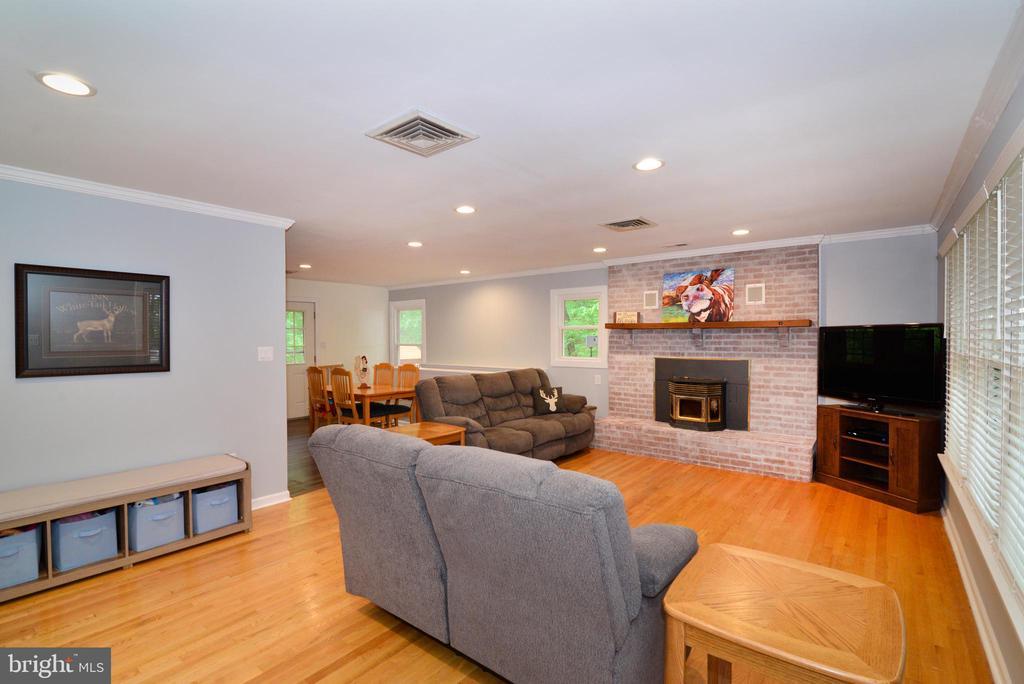 Open Floor Plan - 234 PINE CREST LN, BLUEMONT