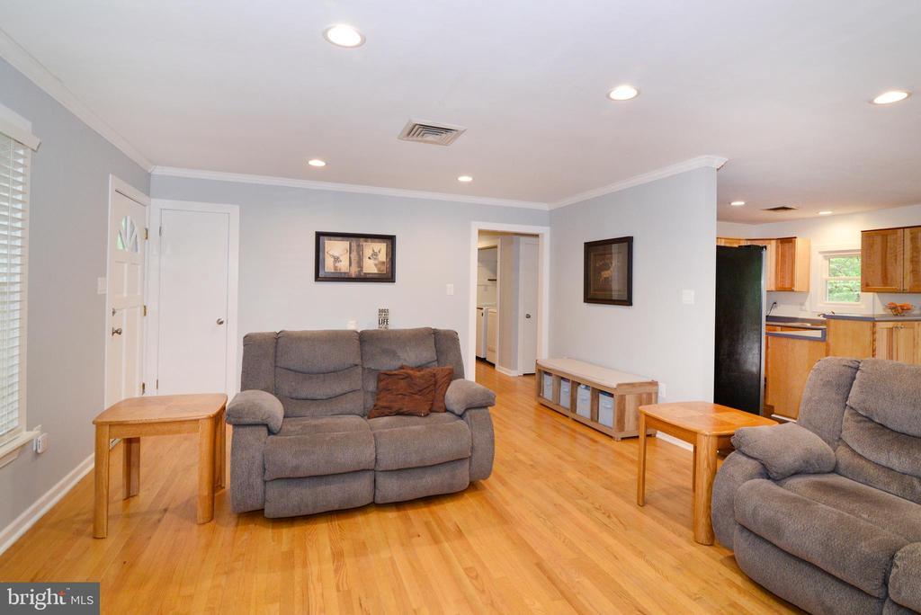 Hardwood Flooring! - 234 PINE CREST LN, BLUEMONT