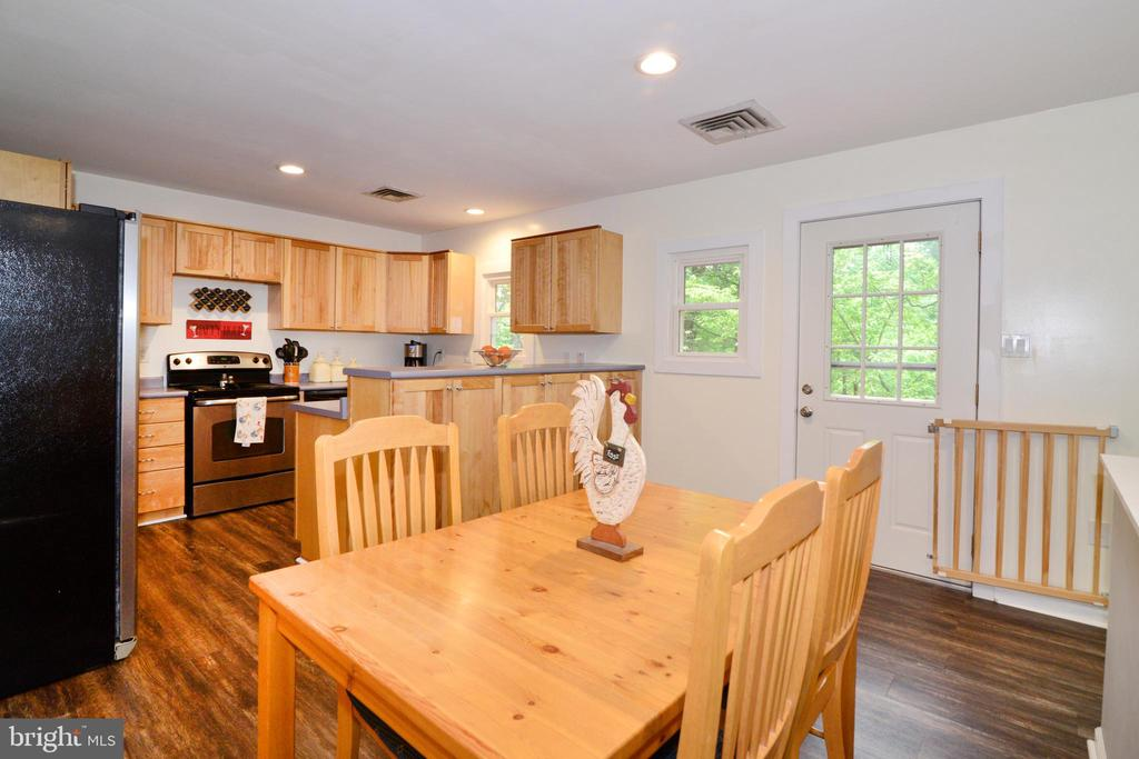 Dining open to the Kitchen - 234 PINE CREST LN, BLUEMONT