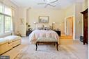 The master bedroom suite is on a separate level - 11331 BRIGHT POND LN, RESTON