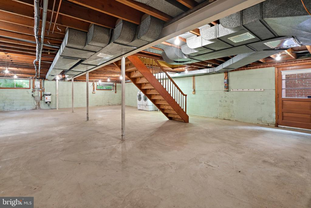 Unfinished basement - 7413 SHENANDOAH AVE, ANNANDALE