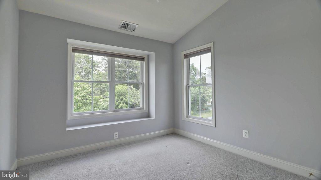 Bedroom 1 - 726 VAN BUREN ST, HERNDON