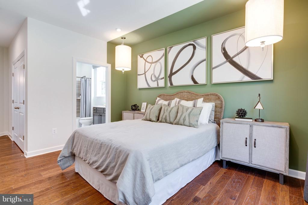 First Floor guest suite - 104 PENDER CT, FREDERICKSBURG