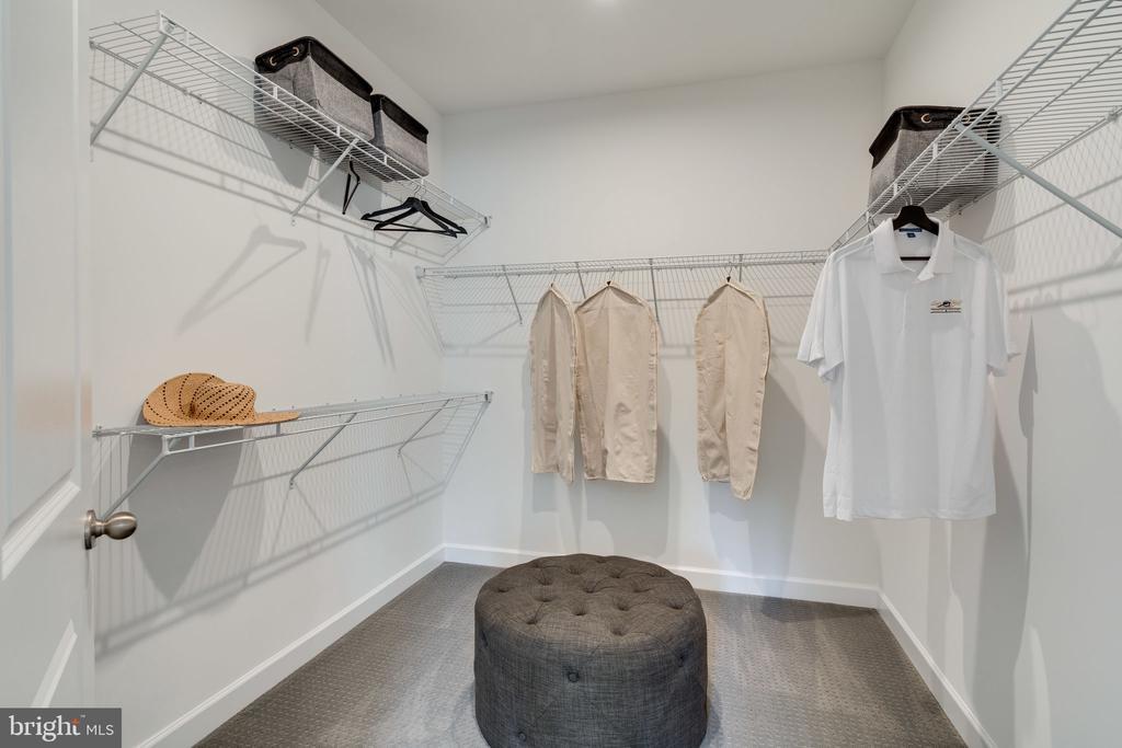 Owner's Walk-in closet - 104 PENDER CT, FREDERICKSBURG