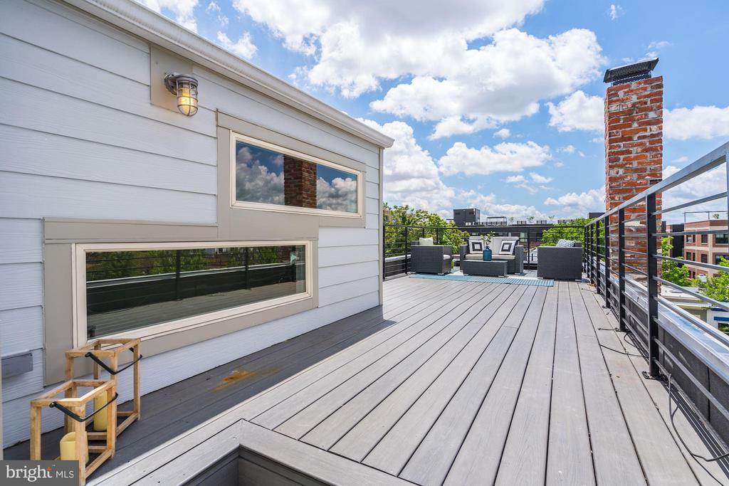 Private Roof Deck - 747 MORTON ST NW #2, WASHINGTON