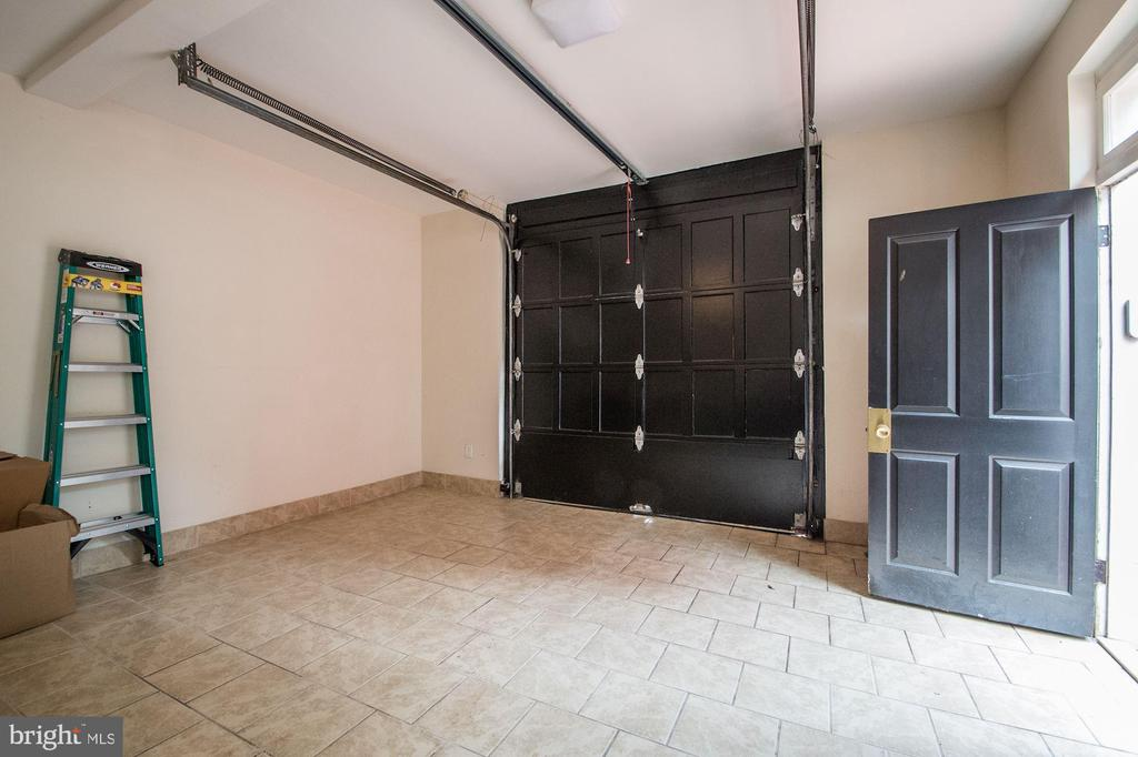 Garage - 1601 35TH ST NW, WASHINGTON
