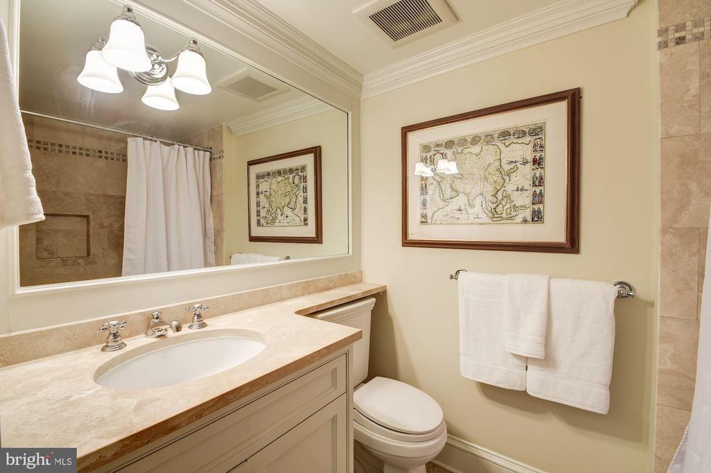 Bedroom #4 Bath - 1601 35TH ST NW, WASHINGTON