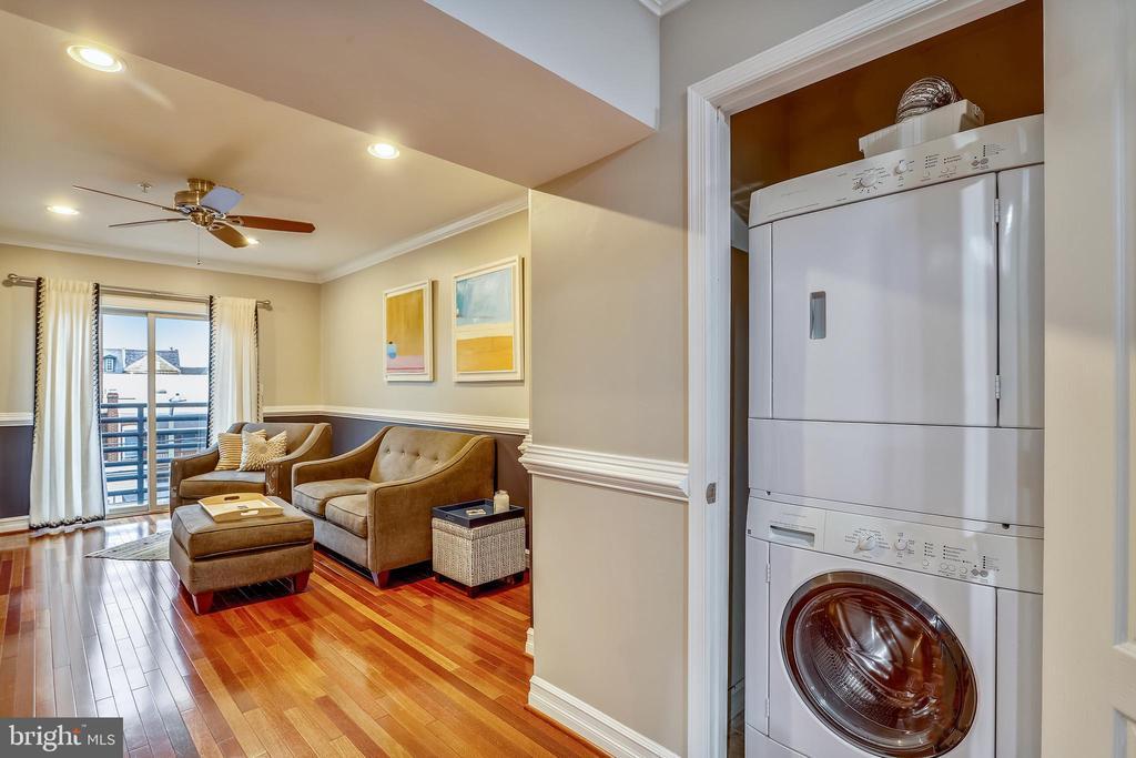 Washer / dryer in unit - 1321 EUCLID ST NW #302, WASHINGTON