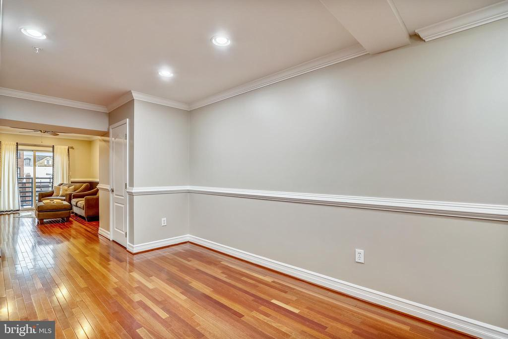 Space for a large dining table or a home office - 1321 EUCLID ST NW #302, WASHINGTON
