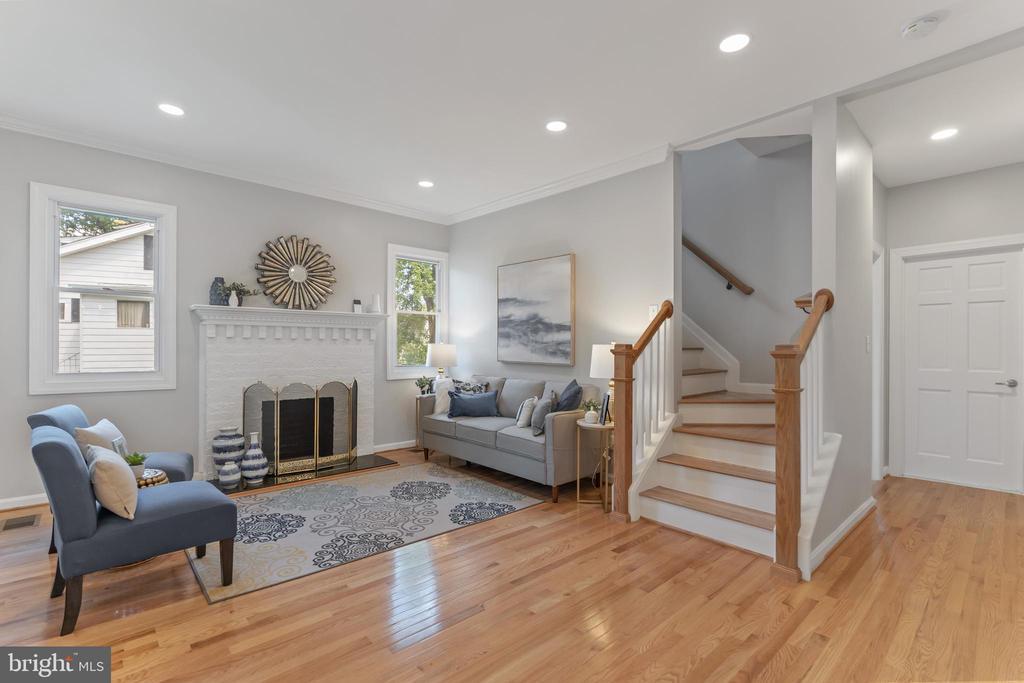 Living Room 1 - 2705 HAMLIN ST NE, WASHINGTON