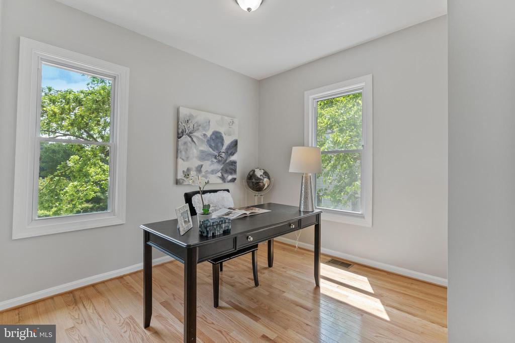 Bedroom 2/Office: Main Floor - 2705 HAMLIN ST NE, WASHINGTON