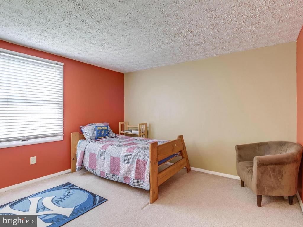 Bedroom 4 - 201 LESLIE CT, STERLING