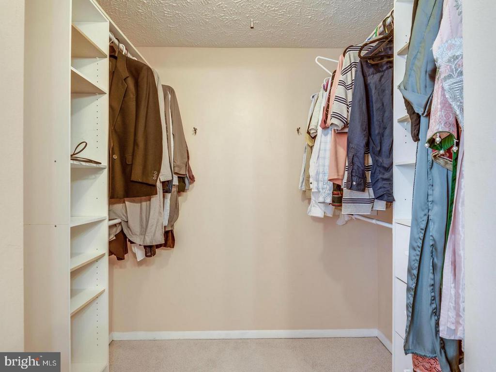 Closet - 201 LESLIE CT, STERLING