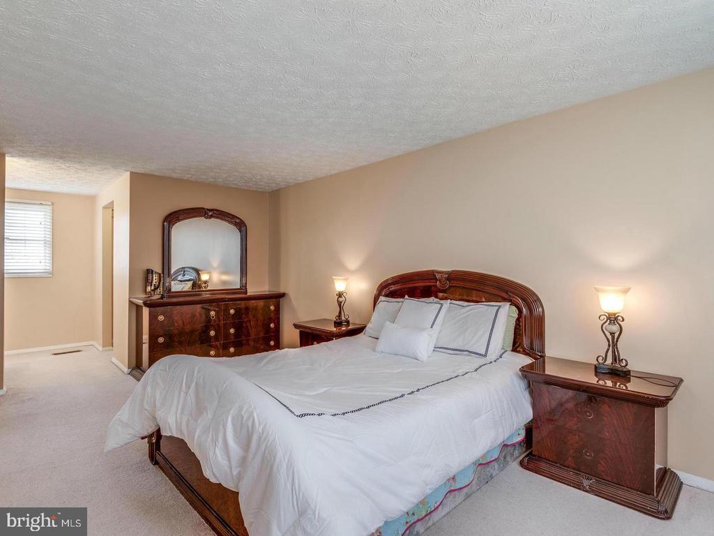 Bedroom 5 - 201 LESLIE CT, STERLING