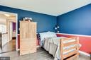 Wide plank high end laminate flooring - 22766 OATLANDS GROVE PL, ASHBURN