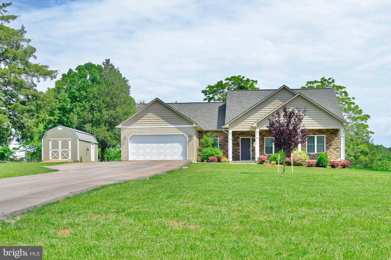 Single Family Homes 為 出售 在 Moneta, 弗吉尼亞州 24121 美國