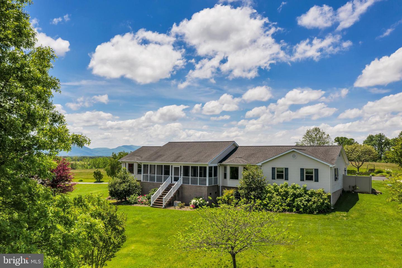Single Family Homes のために 売買 アット Maurertown, バージニア 22644 アメリカ